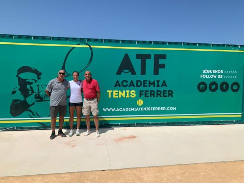 La mejor junior francesa, Diane Parry, entrena en la Academia de David Ferrer