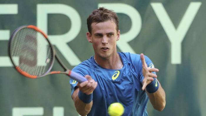 ATP Eastbourne: Pospisil supera a Vesely. Young, Donaldson y Tomic avanzan