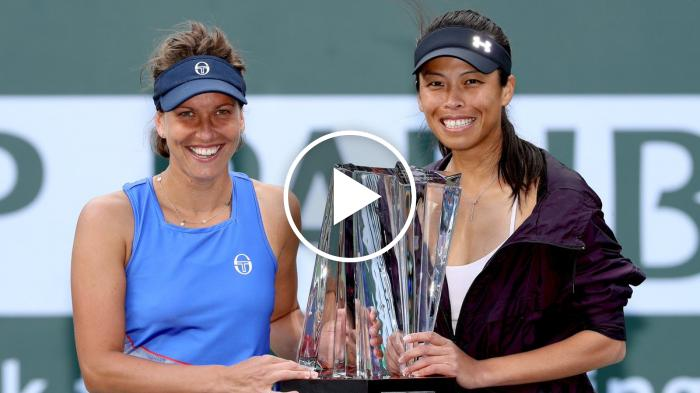 Puntazo en la final de dobles femenino de Indian Wells